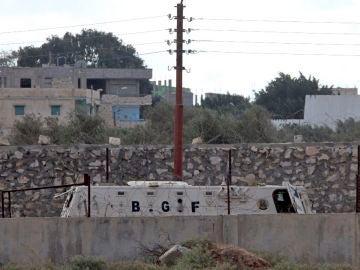 Un vehículo blindado del ejército egipcio patrulla