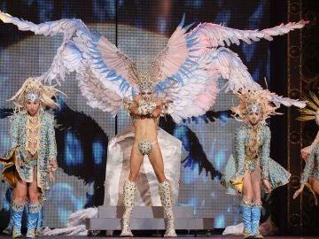 Drag Sethlas reproduce 'La última cena' en la Gala Drag Queen
