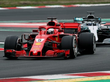 Vettel, delante de Bottas en Montmeló