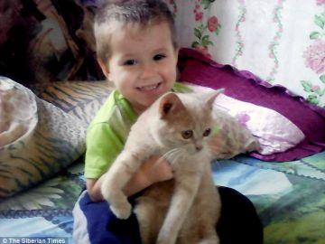 Bogdan, de cuatro años, se marchó sonámbulo a casa del vecino en plena noche