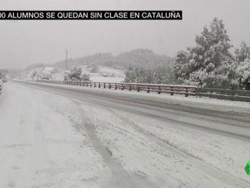 Cataluña colapsada por el temporal de nieve: camiones atrapados, carreteras cortadas y sin transporte escolar