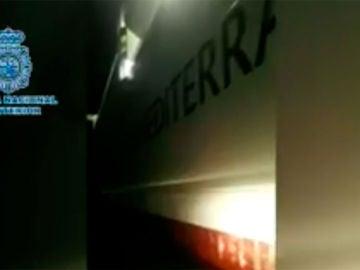 Fragmento del vídeo del rescate en el puerto de Málaga
