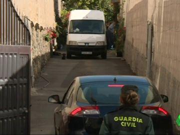 Detienen a un joven por el asesinato de sus padres y su abuelo en Tenerife