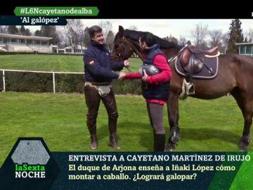 Cayetano Martínez de Irujo enseña a Iñaki López a montar a 'Fandango'