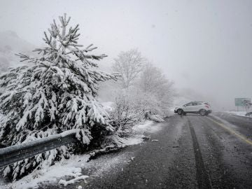 Una carretera nevada