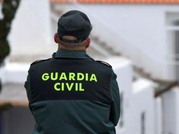 Imagen de archivo un agente de la Guardia Civil (Archivo)