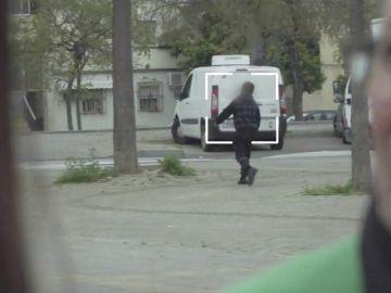 Así trabajan los 'aguadores', menores controlados por los narcos para vigilar quién entra y sale de Los Pajaritos