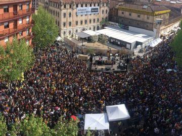 Vista aérea del concierto de Valtonyc y Hásel