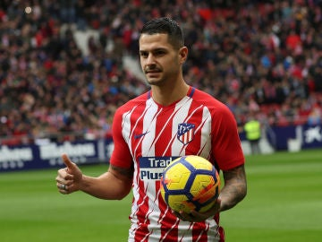 Vitolo, durante su presentación con el Atlético