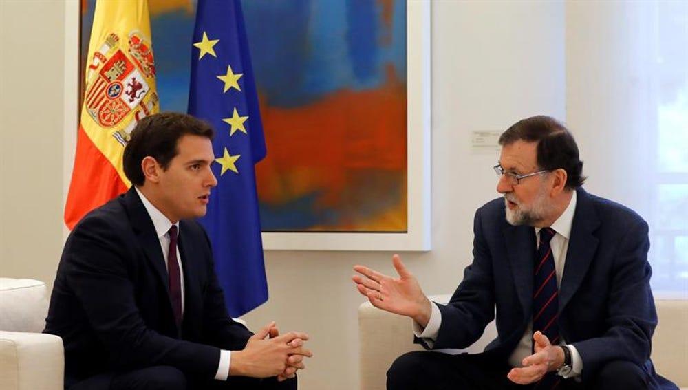Mariano Rajoy y Albert Rivera durante su reunión en el Palacio de la Moncloa