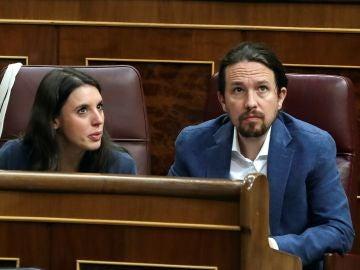 El líder de Unidos Podemos, Pablo Iglesias, y la portavoz Irene Montero