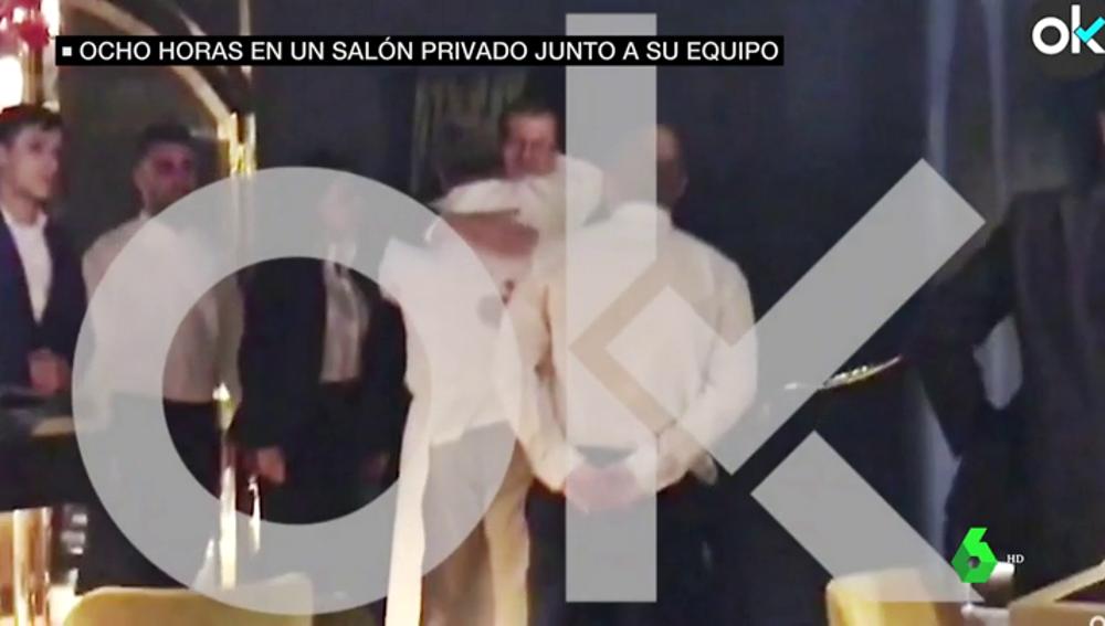 El vídeo que mejor resume las ocho horas de Rajoy en el reservado de un restaurante de Madrid