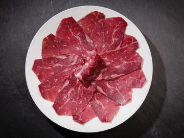 Un plato de cecina es compatible con la dieta.