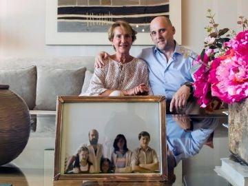La viuda de José Ignacio Ustarán, Rosario Muela y uno de sus hijos, José Ignacio Ustarán