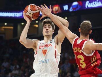 Juancho Hernángomez, en un partido con España
