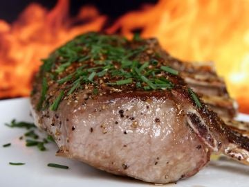 Imagen de archivo de carne asada