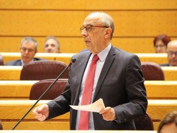 El senador José Cruz Pérez Lapazarán.