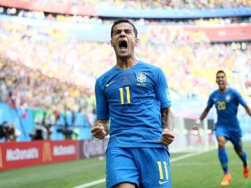 Coutinho celebra su gol con la selección de Brasil