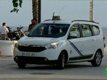 Detenidos tres hombres por propinar una paliza a un taxista en Salou