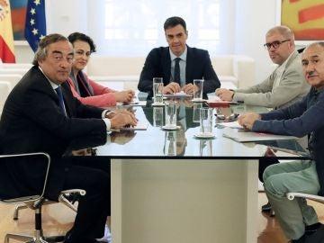 Reunión mantenida en el Palacio de La Moncloa entre Sánchez y los agentes sociales