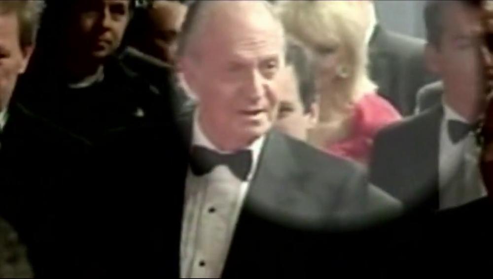 Corinna detrás del rey Juan Carlos en una imagen de archivo