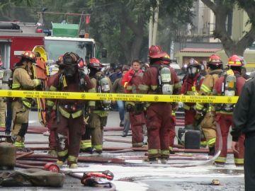 Al menos 35 heridos a causa de varias explosiones en una clínica de Lima