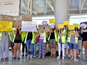 Empleados de Ryanair se manifiestan en el aeropuerto de Palma de Mallorca