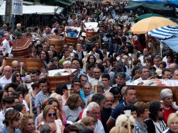 Procesión de ataúdes en Pontevedra
