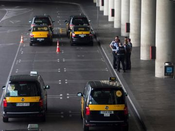 Imagen de archivo de taxis en Barcelona