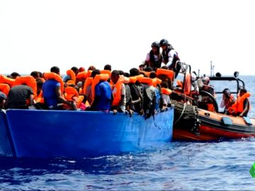 Migrantes rescatados por el Aquarius