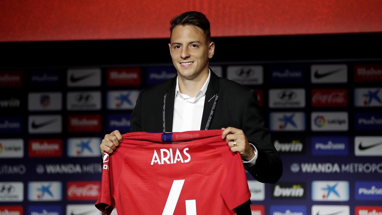 Presentación de Santiago Arias con el Atlético