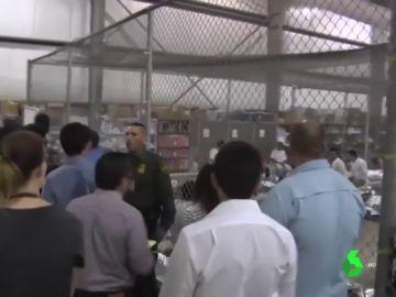 Tres adolescentes denuncian abusos en los centros de detención de inmigrantes de EEUU