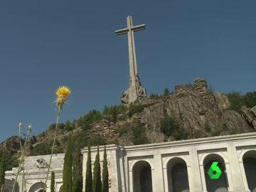 Pedro Sánchez ni contempla ni propondrá la demolición de la cruz del Valle de los Caídos