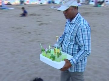 Vendedor ambulante de mojitos en Barcelona
