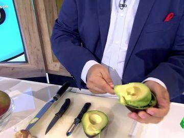 Conoce la técnica perfecta para pelar un aguacate, un mango y un tomate