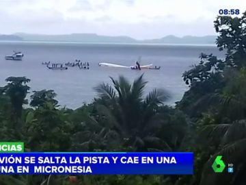 Un avión se salta la pista y cae en una laguna en Micronesia