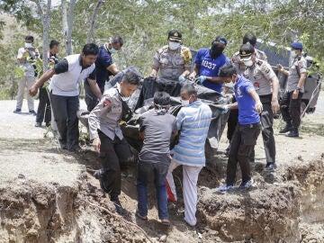 Las autoridades continúan las labores de búsqueda y rescate de supervivientes