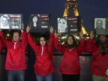 Apagan Torre Eiffel como homenaje a los periodistas asesinados