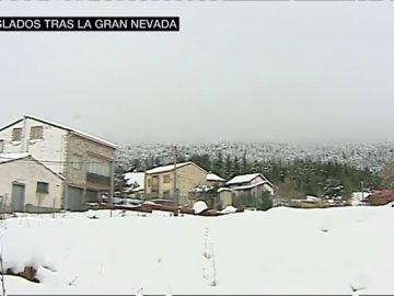 Los vecinos de Griegos, aislados tras la gran nevada