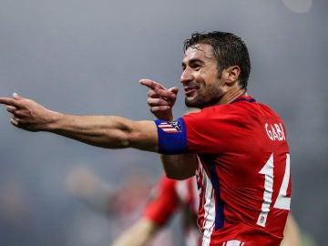 Gabi celebra un gol con el Atlético de Madrid