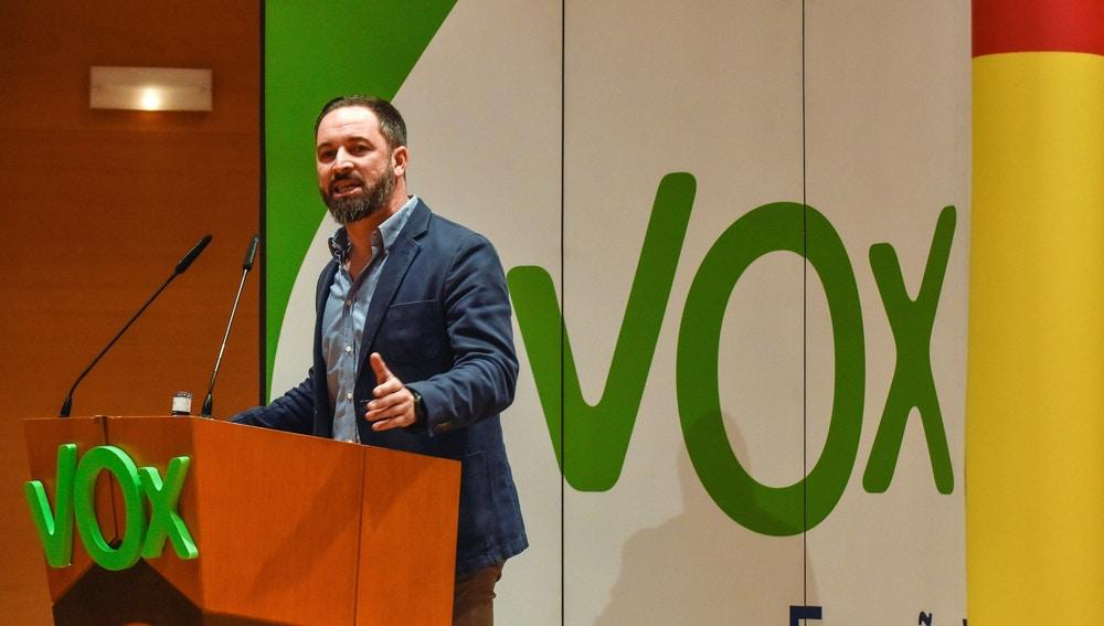 El presidente de Vox, Santiago Abascal, interviene durante un acto político celebrado en Bilbao