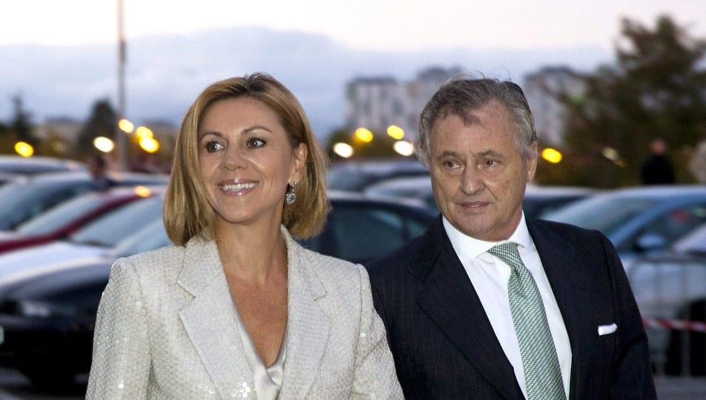 La secretaria General del PP, María Dolores de Cospedal, y su esposo, Ignacio López del Hierro