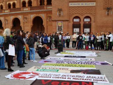 Imagen de la concentración antitaurina en Las Ventas