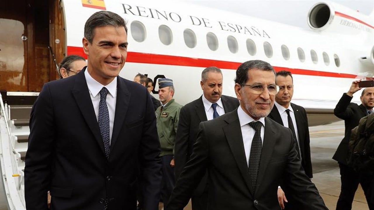 Pedro Sánchez, en Rabat con el primer ministro marroquí, Saadedín Al Othmani