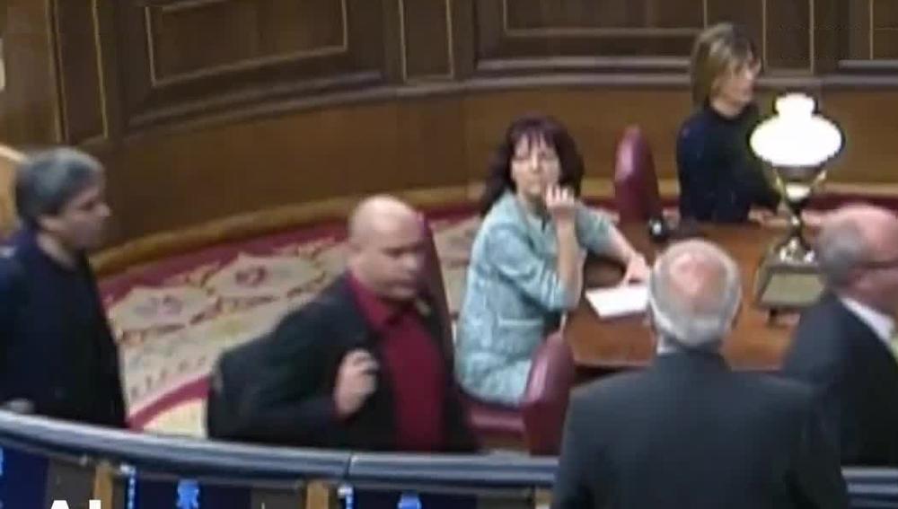 Borrell denuncia a un diputado de ERC por escupirle