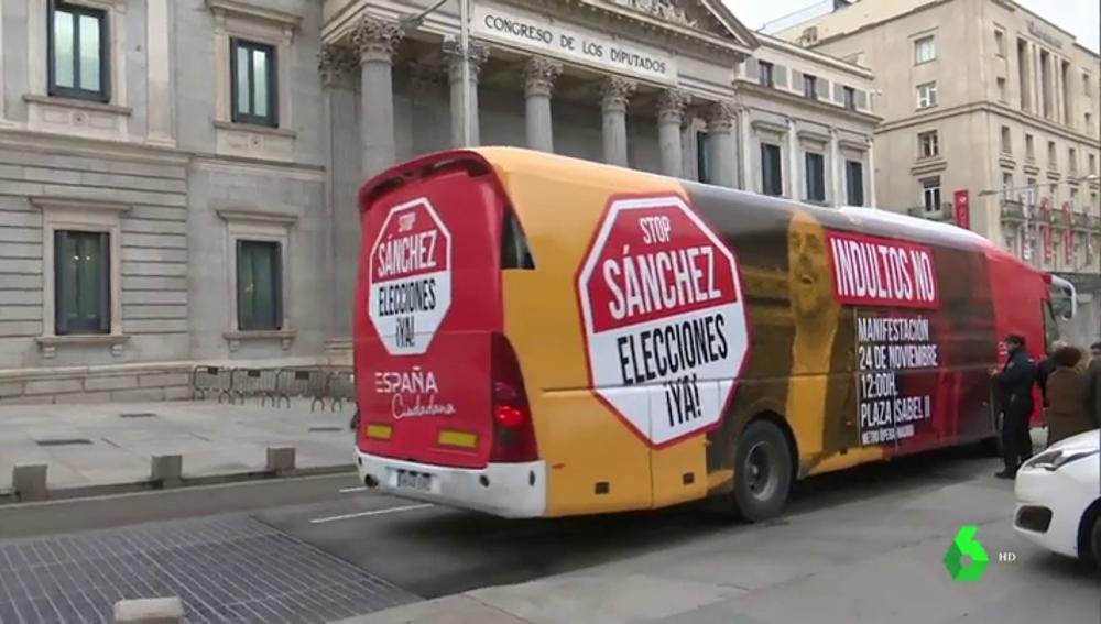 El autobús de Ciudadanos pidiendo 'elecciones ya'