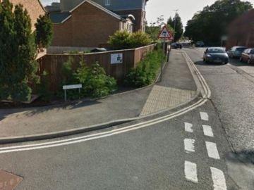 Imagen de la calle donde encontraron los restos de un bebé en Inglaterra
