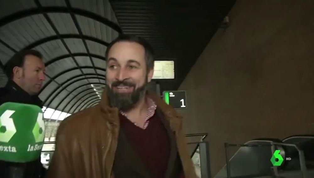 Santiago Abascal niega que su visita a Sevilla sea para participar en las negociaciones de Vox y PP