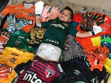 Lorenzo, el hijo de Danilo, una de las víctimas del accidente del Chapecoense