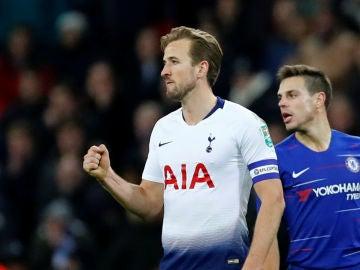 Harry Kane celebra su gol ante el Chelsea